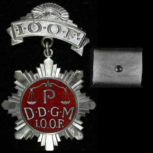 item111_Independent Order of Foresters Deputy Grand Masters Badge in Silver.jpg