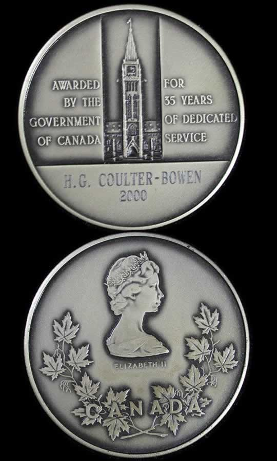 item384_A late issue Government of Canada 35 Year Long Service Medal.jpg