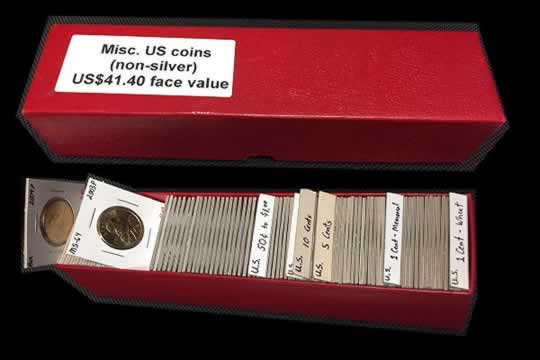 item618_A nice lot of U.S. Coinage in 2x2s.jpg